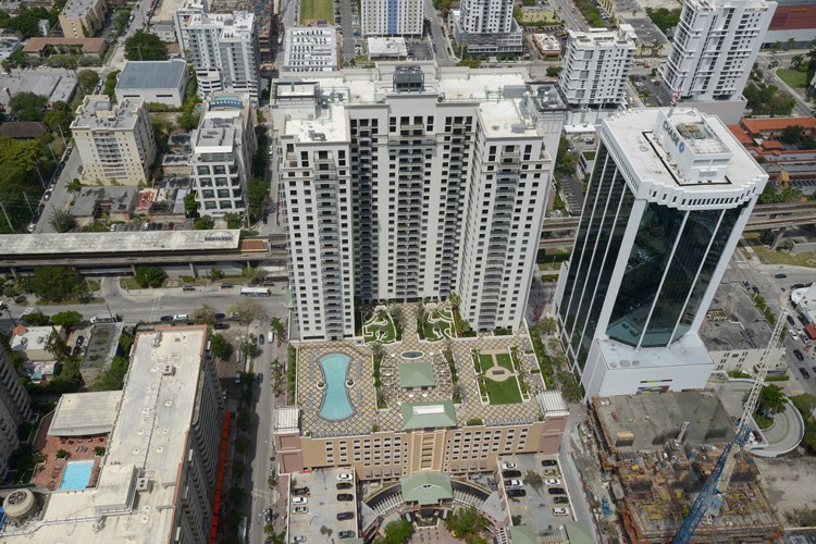 Plaza Nine at Mary Brickell Village