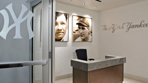 Plaza New York Yankee Stadium Office